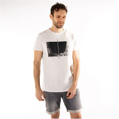 Brunotti Gus Mens T-shirt. Available in S,XL (1911069127-0014)