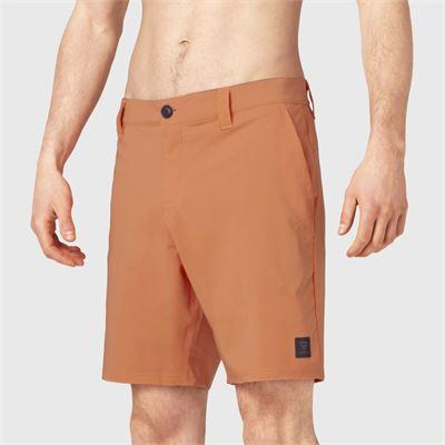 Brunotti Garrett Men Hybrid short. Verfügbar in M,L,XL,XXL (2111130081-2496)